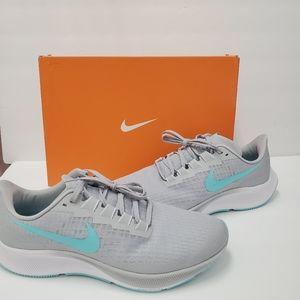 Nike Air Zoom Pegasus 37 sneakers size 12